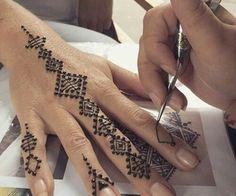100 best ideas: Henna tattoos for girls on your arm . - - # FOR GIRLS # # # best ideas on # # # hand # Henna TATU Henna Tattoos, Et Tattoo, Symbol Tattoos, Mehndi Tattoo, Mehndi Art, Henna Tattoo Designs, Henna Mehndi, Tattoo Music, Henna Mandala