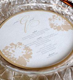 Gorgeous wedding menu!  Modern circle wedding menu. $4.00, via Etsy.