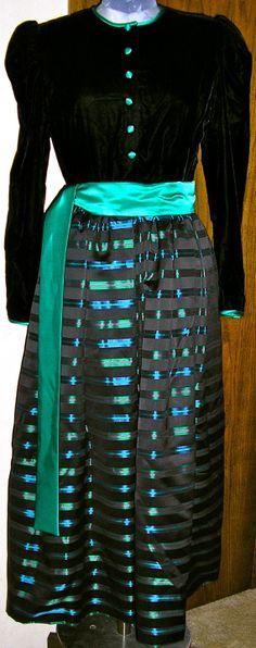 vtg 70s velvet and taffeta Pearson formal by ChloeandNatalieVtg, $149.00