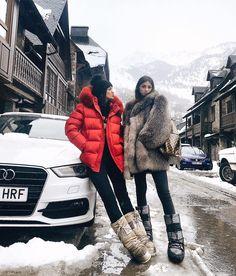 Maria José Lozano Pascual (@merilozanop) on Instagram Cold Weather Outfits, Winter Fashion Outfits, Autumn Winter Fashion, Ski Outfits, Outfit Invierno, Snow Outfit, Moon Boots, Snow Fashion, Winter Mode
