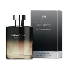 This 100 ml Eau de Parfum provides elegance and charm uniquely combined in cardamom, fennel, lavender, patchouli and vanilla notes.  Total weight : 295.0 [g]