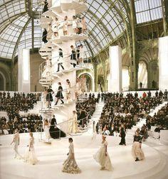Design And Lifestyle New York Fashion Runway Shows Interior Design