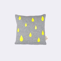 Decorate your kids room with all the beautiful design from ferm LIVING. Shop organic beddings for babies or juniors & designer cushions for kids. Kids Room Wallpaper, Neon, Colored Highlights, Fabric Storage, Baby Boutique, Kids Decor, Linen Fabric, Girl Room, Floor Pillows