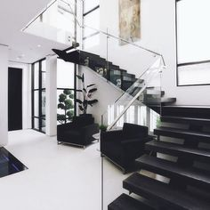 luxury house design, glass banister, transparent, modern staircase … - Home & DIY Dream Home Design, Modern House Design, Modern Interior Design, Big Modern Houses, Beautiful Interior Design, Contemporary Interior, Modern Staircase, Staircase Design, Staircase Ideas