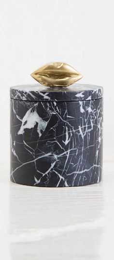 KELLY WEARSTLER | LIAISON BOX MINI. Made from Negro Marquina marble and adorned with Kelly's signature kiss motif