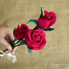 เก็บดอกไม้โครเชต์แบบ - กุหลาบโครเชต์สำหรับช่อดอกไม้ตกแต่งผมและเข็มกลัด - โรสโครเชต์แบบ - วาเลนไทน์ & # 39; s ไอเดียของขวัญ