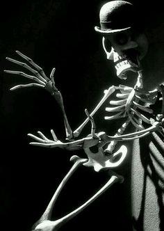 ~† Danny Elfman As Mr Bonejangles † ~In The Corpse Bride ~