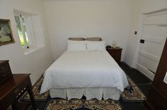 Beautiful cottage style farm stay accommodation in McLaren Vale South Australia's Wine region. Farm Cottage, Cottage Style, Farm Stay, Bed And Breakfast, Peppermint, Furniture, Holiday, Home Decor, Breakfast In Bed