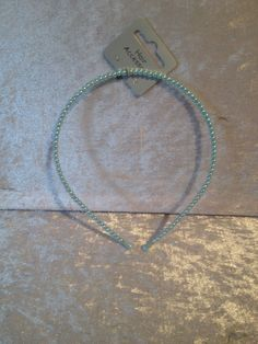 GIRLS PRETTY  PEARL EFFECT ALICE BAND IN PALE BLUE COLOUR BNIP **UK SELLER **
