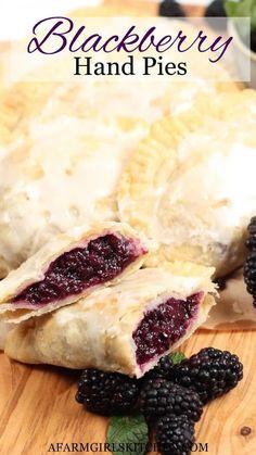 Blackberry Pie Fillings, Blackberry Pie Recipes, Pastry Recipes, Baking Recipes, Dessert Recipes, Bread Recipes, Cast Iron Recipes, Homemade Pie Crusts, Hand Pies