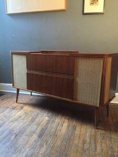 Merveilleux PHENOMENAL Mid Century Modern CREDENZA Stereo Cabinet By CIRCA60 |  Furniture | Pinterest | Stereo Cabinet, Credenza And Mid Century Modern