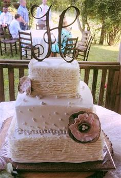 Burlap and Ruffles Wedding Cake