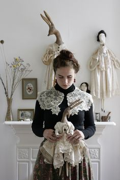 PANTOVOLA textile artist and doll maker in Scotland - Stitching Projects Textile Sculpture, Textile Fiber Art, Textile Artists, Soft Sculpture, Fabric Dolls, Fabric Art, Paper Dolls, Fabric Crafts, Linens And Lace