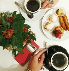 Fashion blogger @angystearoom enjoying an invigorating coffee with her beautiful Blush Calf #Vertu #Aster to hand.