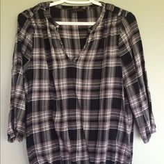 The Limited plaid top L Size large black and white plaid top from The Limited. Good condition. Gathered waist at bottom, very flattering. Bundle 3 items to save 15%! The Limited Tops Blouses