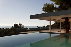 Situated in Skiathos Island, Greece, Plane House by K-Studio. Summer in the Greek islands is all about being outside. The aim of the Plane House is to… Amazing Architecture, Interior Architecture, Creative Architecture, Architecture Wallpaper, Contemporary Architecture, Modern Contemporary, Airplane House, Skiathos Island, Piscina Interior