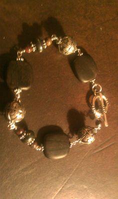 Wood & Bali bead bracelet