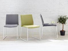 LEMON-tuolin jalusta valkoiseksi maalattua metallia. Istuin kangasverhoiltu. Väreinä tumman- ja vaaleanharmaa sekä vihreä. Tuoli toimitetaan valmiiksi kasattuna ja on pinottava.