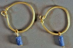 Roman Earrings - Gold with blue glass beads - - Century C. Renaissance Jewelry, Medieval Jewelry, Ancient Jewelry, Antique Jewelry, Wiccan Jewelry, Vintage Jewellery, Grape Earrings, Simple Earrings, Gold Earrings