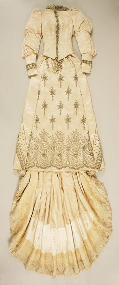 Charles Frederick Worth, Wedding Ensemble Embroidered with Crystals & Pearls. Paris, 1891-1893.