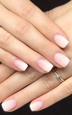Unghie Baby boomer: è il momento del rosa dégradé Chic Nail Art, Chic Nails, Classy Nails, Casual Nails, Gorgeous Nails, Pretty Nails, Cute Gel Nails, Cute Short Nails, Milky Nails