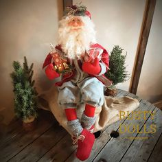 Scandinavian Santa Henrik Santa Doll, Hand Shapes, Father Christmas, North Africa, Shades Of Red, House Painting, Beautiful Hands, Elf On The Shelf, Art Dolls