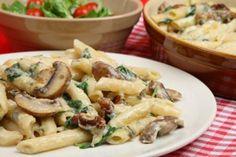 Tomato Recipes Pasta Recipe: Creamy Penne Florentine With Mushrooms and Spinach Pasta Pizza, Penne Pasta, Chicken Penne, Pasta Meals, Tortellini, Rotisserie Chicken, Pasta Salad, Italian Dishes, Italian Recipes