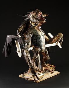 GREMLINS 2: THE NEW BATCH (1990) - Mohawk Puppet - Price Estimate: $6000 - $8000