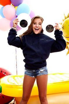Smile Hoodie (Small Text) – TEE4TOO Mack Z, Maddie And Mackenzie, Mackenzie Ziegler, Maddie Ziegler, Tween Fashion, Girl Fashion, Dance Mums, Teen Girl Poses, Dance Moms Girls