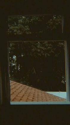 Crying Aesthetic, Night Aesthetic, Nature Aesthetic, Aesthetic Movies, Aesthetic Pictures, Calming Pictures, Beautiful Photos Of Nature, Aesthetic Photography Grunge, Rain Photography