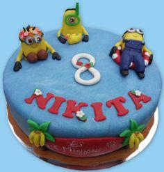 Minions tropical cake