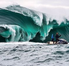 The RIGHT, Australia.  Iconic #surf spot. One of the heaviest wave in The world.  Sounds  like a challenge to me.