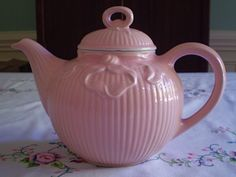 HALL CHINA TEAPOT VINTAGE, VICTORIAN BOWKNOT