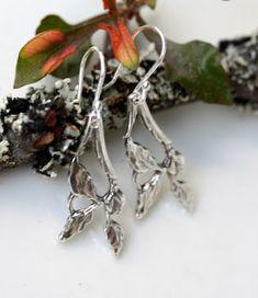 Lehdykkä-korvakorut hopeatyöt, hopeakorut, lusikkakorut, uusiokorut, kierrätyskorut, korvakorut handmadejewelry, silverjewelry, silverspoonjewelry, spoonjewelry, earrings