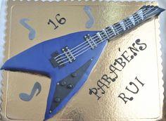 Guitarra azul  Bolo de chocolate
