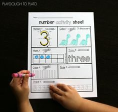 FREE Number Activity Sheet. Awesome preschool math or kindergarten math activity!!
