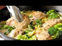Creamy Garlic Chicken with Broccoli is a household favorite for everyone in the family. This is the perfect one-pot chicken recipe with a homemade creamy garlic sauce when you're in need of something delicious, satisfying and easy for a Creamy Garlic Sauce, Creamy Garlic Chicken, Garlic Chicken Recipes, Cilantro Lime Chicken, Broccoli Recipes, Chicken Broccoli, Pollo Alfredo, Zucchini Sauce, Low Carb Meal