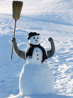 S'no joke - people of Britain, go forth and populate our white and pleasant land with snow soldiers Winter Szenen, I Love Winter, Christmas Snowman, Winter Christmas, I Love Snow, Snow Sculptures, Snow Art, Frosty The Snowmen, Build A Snowman
