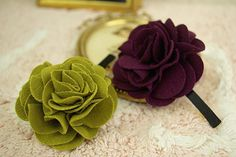 DIY fabric flowers for pins, hair clips, headbands, etc. Cute and easy!