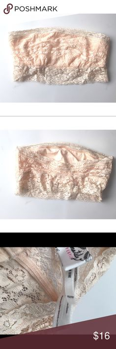 Intimately Free by Free People Cream Bandeau Cute lace bandeau by Intimately Free by Free People. Cream colored. Used on the TV show Lab Rats on the Disney channel and hasn't been used since. #6091740 Free People Intimates & Sleepwear Bandeaus