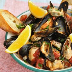 Moules mit Knoblauch-Tomatensauce