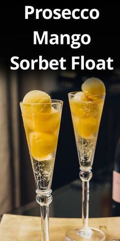 You can make this delicious Prosecco cocktail with sparkling juice for little ones or Prosecco for grown-ups. Purple Cocktails, Best Summer Cocktails, Winter Cocktails, Cocktail Drinks, Cocktail Recipes, Mango Sorbet, Spicy Candy, Bonn
