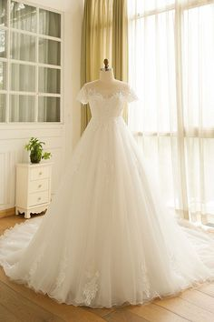 131 Best Wedding Gown Images In 2019 Groom Attire Alon Livne