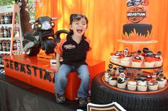 This little boy is so happy with his Harley Davidson themed birthday! Motorcycle Birthday Parties, Motorcycle Party, Cars Birthday Parties, Second Birthday Ideas, Sons Birthday, Bolo Motocross, Biker Party, Harley Davidson Birthday, Party Ideas