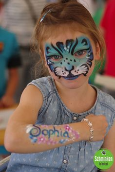 Halloween Makeup For Kids, Kids Makeup, Girl Face Painting, Face Painting Designs, Henna Paint, Body Paintings, Hand Art, Cat Face, Face And Body