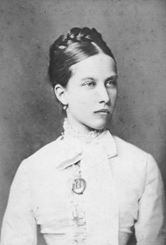 GRANDDAUGHTER OF QUEEN VICTORIA and ALBERT. Princess Charlotte of Prussia, Duchess of Saxe-Meiningen.  Daughter of Victoria Princess Royal of the United Kingdom and Frederick III, German Emperor.  (HOUSE OF HOHENZOLLERN by birth)