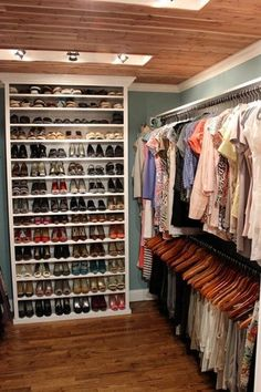 Awesome walk in closets shoes storage ideas love closet makeover closet designs walk in closet and closet bedroom walk in closets designs ideas Walking Closet, Closet Storage, Closet Organization, Organization Ideas, Rv Storage, Closet Racks, Bookcase Closet, Shoe Organizer, Closet Shoe Shelves