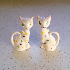 Vintage Cat Salt and Pepper Shakers / S and P / by Retroburgh