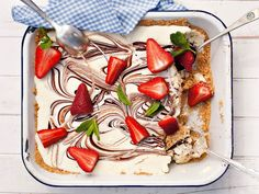 Witsjokolade-yskastert Fridge Cake, Good Food, Yummy Food, South African Recipes, No Bake Cake, White Chocolate, Nutella, Sweet Treats, Deserts