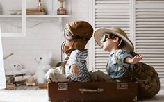 The symbolic play stage lets us lots of beautiful remembers and experiences. It's pretty amazing the great imagination that children have ✈ #wearandlearn #sensiblekidsclothes #responsiveclothes #respectedgrowth Photo credits: chemodan-malchiki-igra-letchiki #baby #babyclothes #babywear #babydesign #kidsclothes #kidswear #kids #kidsdesing #comfy #childhood #family #growth #little #littlewild #laliwhite #mum #motherhood #mother #parenting #photography #imagination #play #creativity